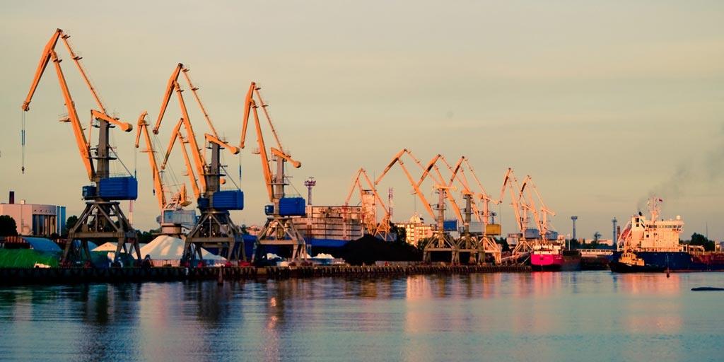 Грузооборот украинских морских портов за 10 месяцев 2018 года составил 108 миллионов тонн